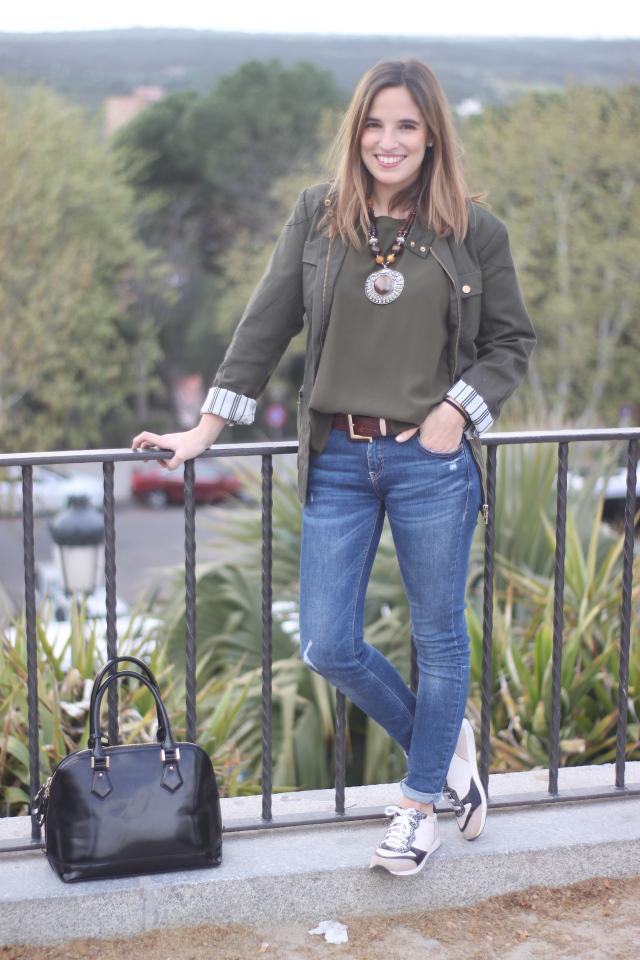 la-reina-del-low-cost-vaqueros-zara-trafaluz-zapatos-drypp-deportivas-piel-de-serpiente-mulaya-blusas-combinar-verde-oliva-pilar-pascual-del-riquelme-blog-de-moda-barata-blogger-madrid-s